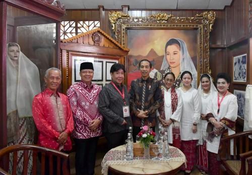 Presiden Joko Widodo meninjau Rumah Ibu Fatmawati Soekarno yang berada di Jln. Fatmawati No.10, Penurunan, Kecamatan Ratu Samban, Kota Bengkulu, Rabu (5/2/2020) pagi. (Foto: Istimewa/Sekpres)